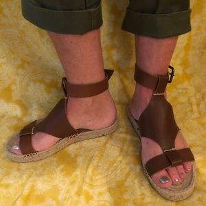 Brand New Soludos leather espadrille sandals